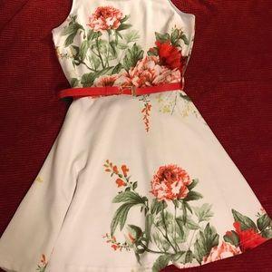 Women's Dress size medium. Connection 18 ❤️